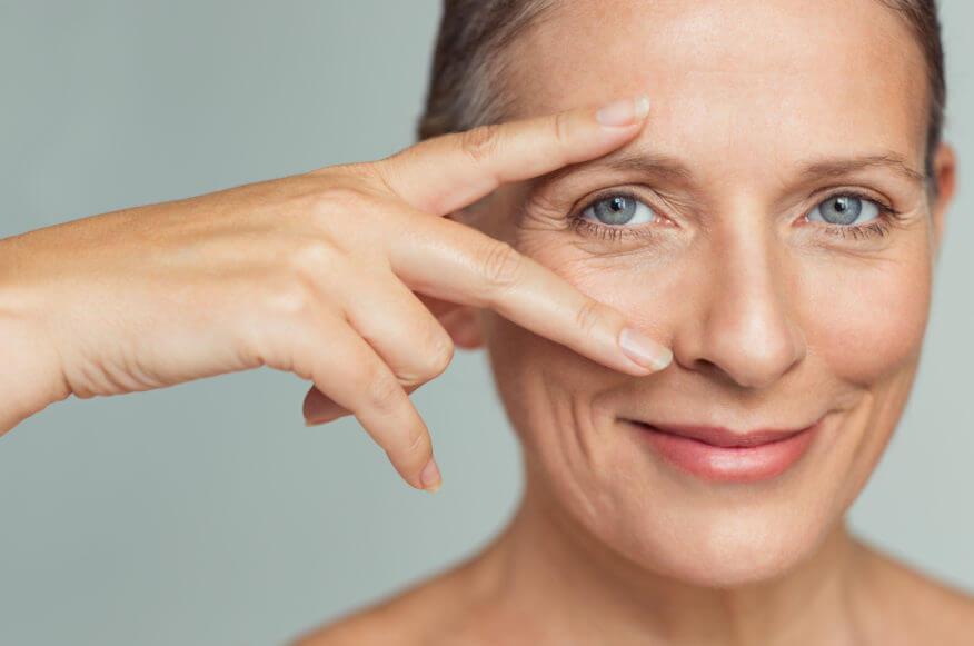 Jak pielęgnować skórę po 60-tce? Krem na zmarszczki 60+ !